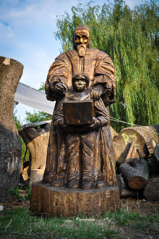 drevorezba-carving-wood-drevo-socha-JanAmosKomensky-20190819-012