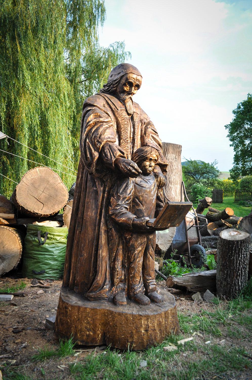 drevorezba-carving-wood-drevo-socha-JanAmosKomensky-20190819-08