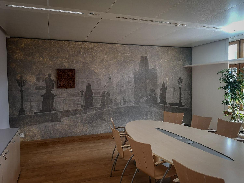 statniznak-drevorezba-vyrezavany-emblem-55cm-brusel-03